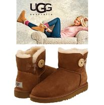 UGG Australia MINI BAILEY BUTTON Round Toe Rubber Sole Casual Style Sheepskin Suede Plain