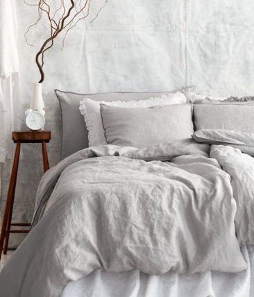 H & M linen material bed cover set