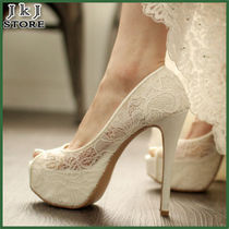 Flower Patterns Plain Lace Shoes