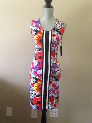 BCBG Max Azria ornate floral pattern beautiful songs fit
