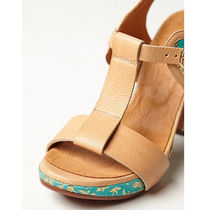 CHIE MIHARA Flower Patterns Open Toe Leather Block Heels