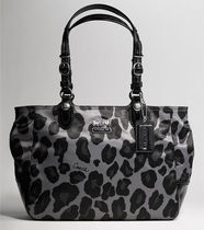 Coach Leopard Patterns Nylon A4 Handbags
