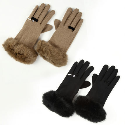 Ribbon & shining pearl rabbit fur gloves that ring is with