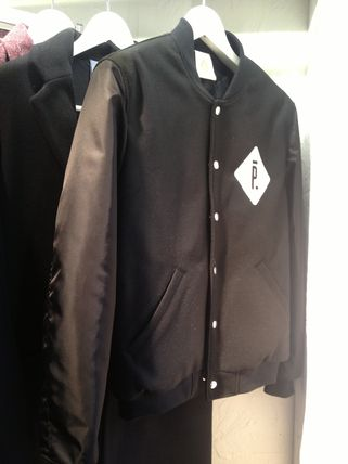 In the exclusive Paris PIGALLE order P... logo jacket