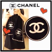CHANEL ICON Cashmere Bi-color Party Style Lightweight Scarves & Shawls