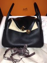 HERMES Lindy Black/GHW Taurillon Clemence 26 Bag