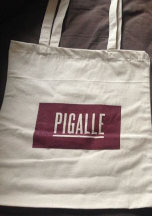 order in our popular Paris PIGALLE box logo tote back