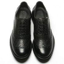 EMPORIO ARMANI Wing Tip Plain Leather Oxfords