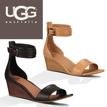 UGG Australia Open Toe Plain Leather Party Style Flat Sandals