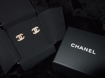 CHANEL Earrings & Piercings