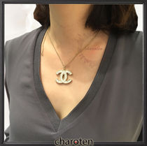CHANEL ICON Costume Jewelry Blended Fabrics Necklaces & Pendants