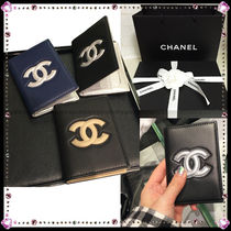 CHANEL Street Style Leather Card Holders