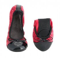 BUTTERFLY TWISTS Round Toe Party Style Flats