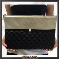 CHANEL MATELASSE Black & Gold/GHW Lambskin Clutch Bag With Pearl