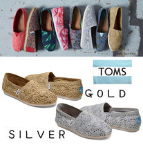 TOMS Round Toe Casual Style Slip-On Shoes
