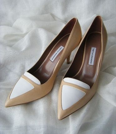 Bi-color Leather Elegant Style Pointed Toe Pumps & Mules