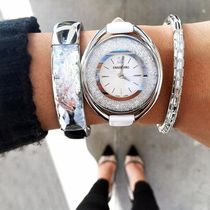 SWAROVSKI Leather Round Quartz Watches Elegant Style Analog Watches