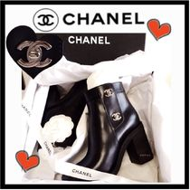 CHANEL ICON Plain Leather Block Heels Elegant Style