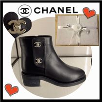 CHANEL ICON Round Toe Casual Style Plain Leather Block Heels