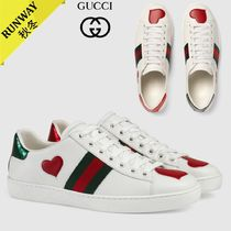 GUCCI Heart Plain Toe Leather Low-Top Sneakers