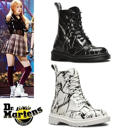 Dr. Martens PASCAL MARBLE 8 EYE BOOTS