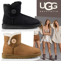 UGG Australia BAILEY BUTTON Round Toe Casual Style Fur Bi-color Plain Wedge Boots