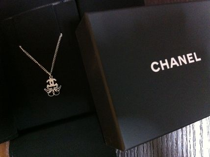 CHANEL Unisex Necklaces & Chokers