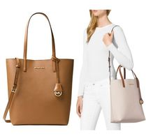 Michael Kors HAYLEY A4 2WAY Plain PVC Clothing Office Style Totes