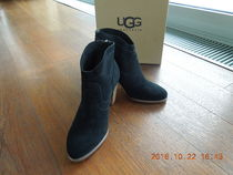 UGG UGG women's sheepskin booties