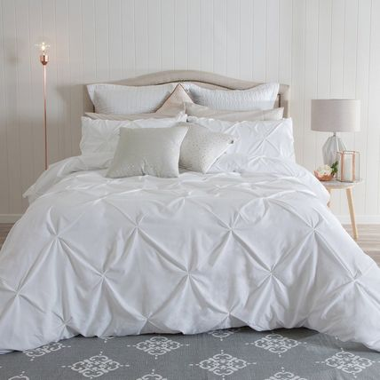 Foreign cute comforter or bed cover SET size of Luna white