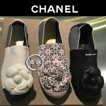 CHANEL Round Toe Slip-On Shoes