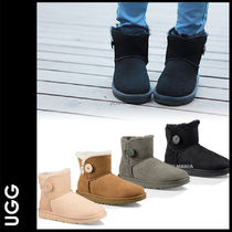 UGG Australia MINI BAILEY BUTTON Round Toe Casual Style Sheepskin Plain Ankle & Booties Boots