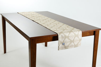 Table runner Matt jubilee leaf natural Nordic TR021