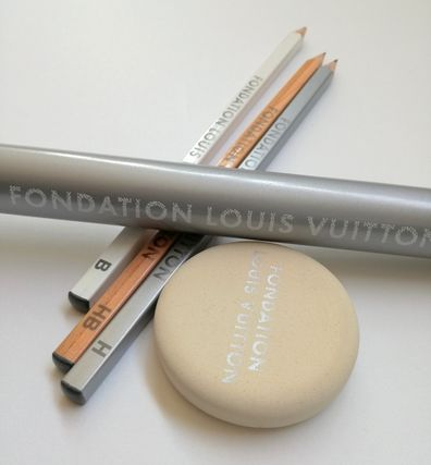 Paris Foundation Art Museum 3 pencil case eraser set