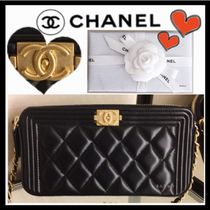 CHANEL BOY CHANEL Black/GHW Calfskin Wallet On Chain