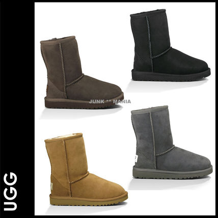 UGG KID'S CLASSIC adult and put it