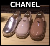 CHANEL ICON Round Toe Casual Style Street Style Plain Leather Flats