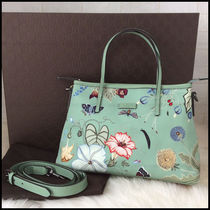 GUCCI Elegant Style Totes