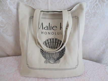 MALIE KAI Hawaii vertical tote bag shell