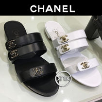 CHANEL Open Toe Plain Leather Block Heels Sandals