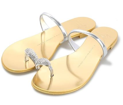 TOE-RING SANDAL