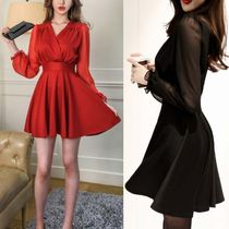 Short Flared V-Neck Long Sleeves Plain Party Style Dresses
