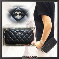 CHANEL MATELASSE Black/SHW Lambskin Clutch On Chain