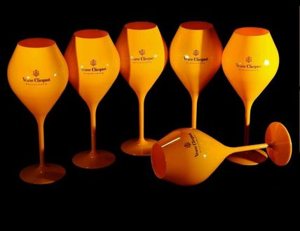 MOET plastic party wine glass
