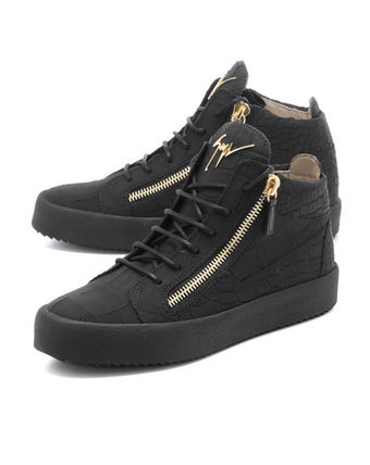 Sneaker Middle Cut Black KRISS