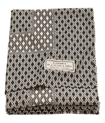 H & M HOME pattern print pattern tablecloth