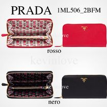 PRADA SAFFIANO LUX Heart Saffiano Plain Long Wallets