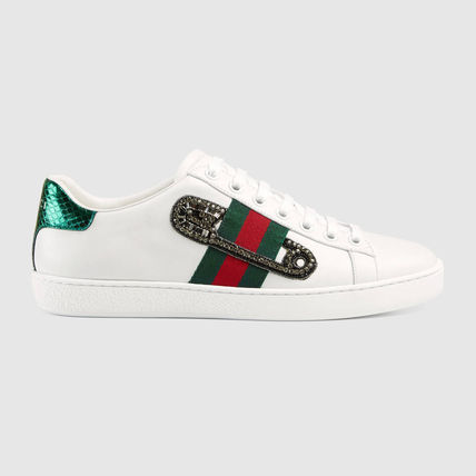 Gucci [ACE] embroidery with sneakers