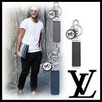Louis Vuitton TAIGA Chain Leather Keychains & Holders