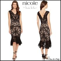 Nicole Miller Sleeveless Flared V-Neck Plain Long Lace Party Dresses